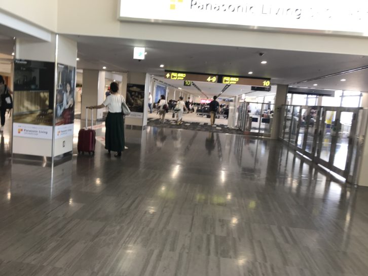 伊丹空港のロビー